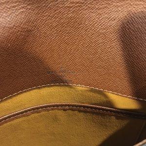 Louis Vuitton Bags - Authentic Louis Vuitton salsa crossbody
